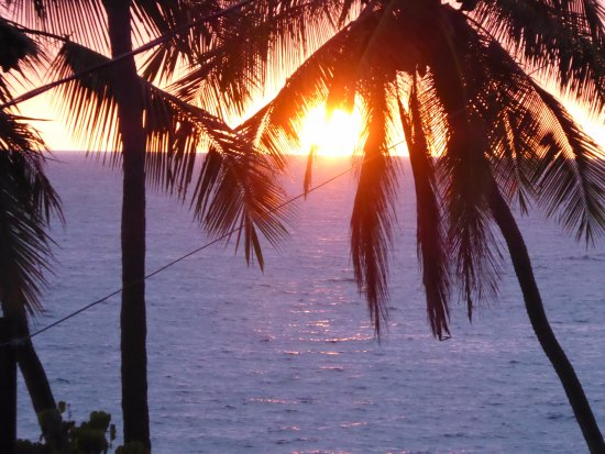 Kona Seaspray: view of sunset from the living/dining rooms