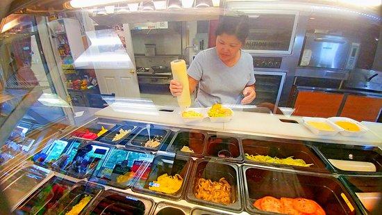 Mount Holly, Caroline du Nord : The Owner Make Us Burgers