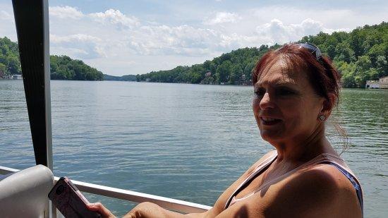 Lake Lure, Kuzey Carolina: 20170612_120706_large.jpg