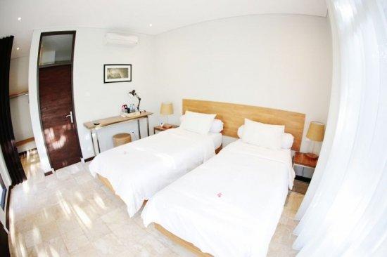 Wave House - Surf Camp: Standard room