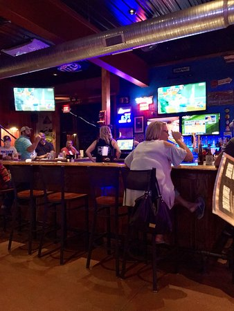 Wooded Hills Bar Grill