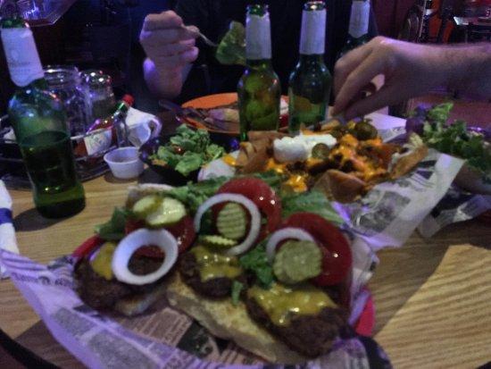 Harrisburg, IL: Wooded Hills Bar & Grill
