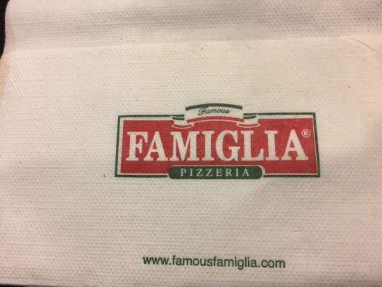 Napkin picture of famous famiglia pizzeria new york for Casa famiglia new york