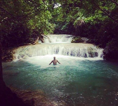 Mele Cascades: photo0.jpg