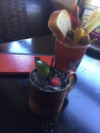 Edmonds, Вашингтон: Huckleberry Mule & Demetri's Bloody Mary