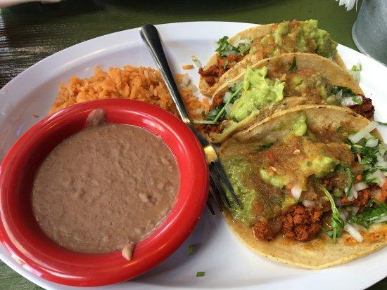 Chula Vista, CA: Adobada Tacos