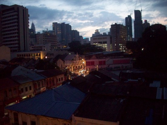 Hotel Petaling : View out our window at dawn