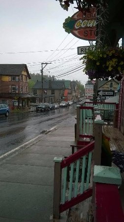 Tannersville, NY: main street in the town