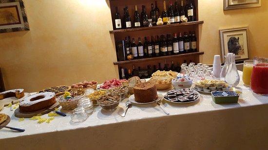 Collazzone, Italia: PRIMA COLAZIONE