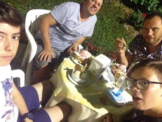 Vicoforte, Italie : IMG-20170613-WA0016_large.jpg