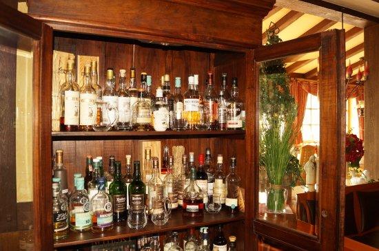 Hotel an der Ilse: Whiskeyschrank
