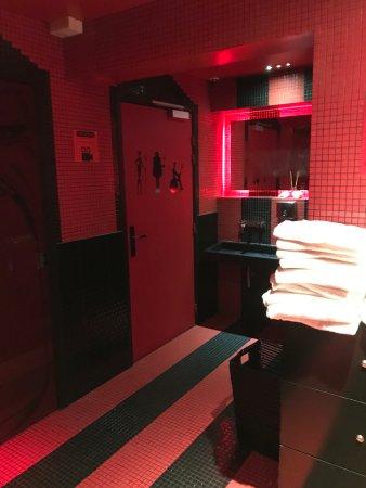 Hotel Vice Versa Paris France Reviews Photos Amp Price