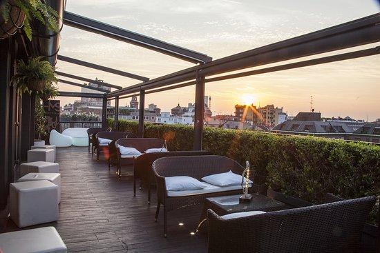 Sky Terrace Bar Milano Scala Milan Brera Restaurant