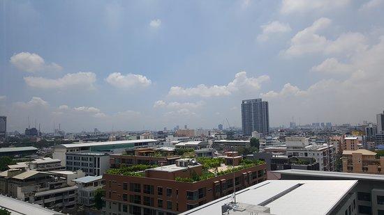 Holiday Inn Express Bangkok Siam: 20170525_123904_large.jpg