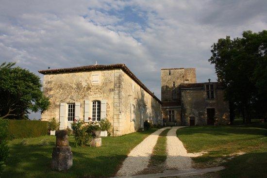 Chateau De Champdolent