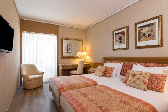 divani palace acropolis 152 1 6 8 updated 2018. Black Bedroom Furniture Sets. Home Design Ideas