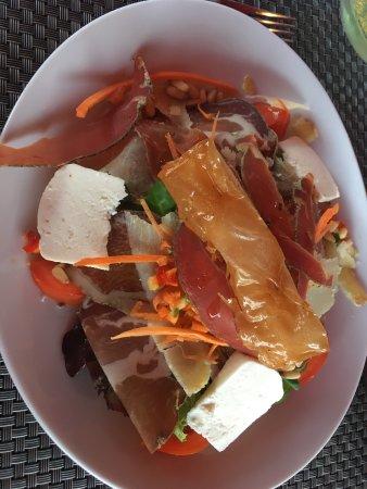 Le Bip's: Un diner au Bips. Un vrai moment de partage et de générosité la patronne offre le digestif un ac