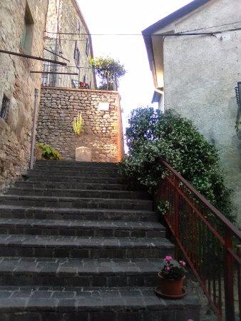 Monte Santa Maria Tiberina, Italia: borgo