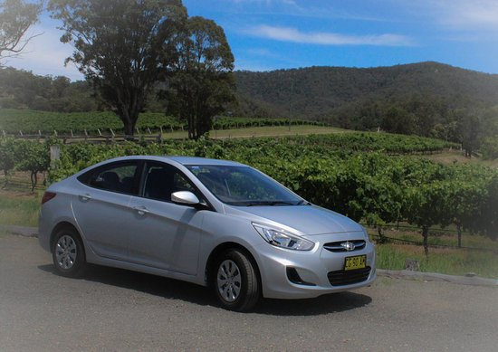Branxton, Australien: Joie de Vivre Hunter Valley Tours - travel in an air-conditioned 2015 Hyundai Accent sedan