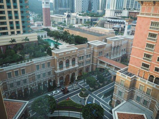 Four Seasons Hotel Macau, Cotai Strip: View from room lift lobby