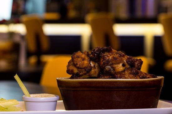 Imperial Hotel Galway: Chicken Wings