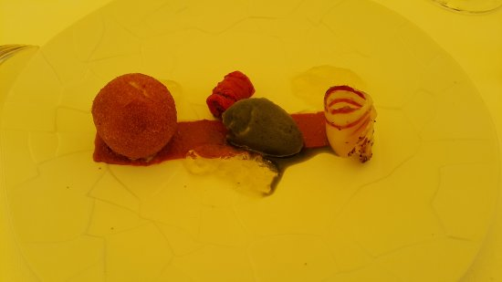 Cahuzac-sur-Vere, France: Cromesqui de mozzarella