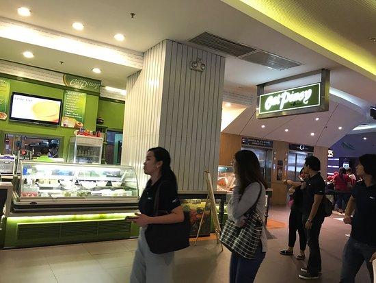 Eat pinoy sm aura for Aura global cuisine
