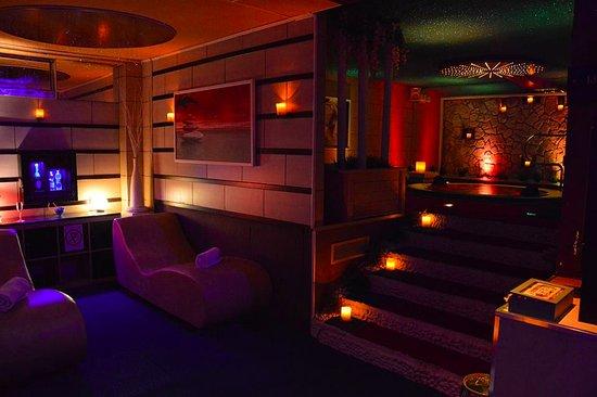 Fem: Spa Esclusiva : Angolo Relax + Piscina idromassaggio