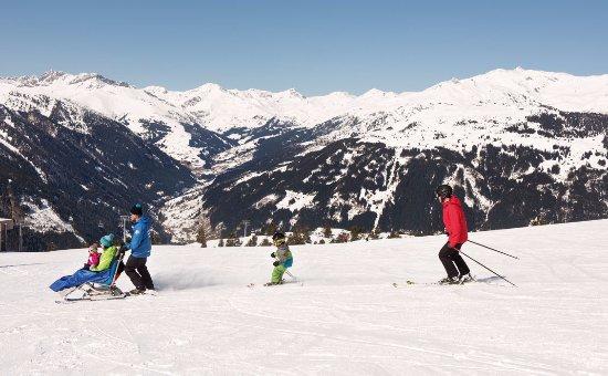 Mayrhofen, Austria: Snow Limo Tours am Ahorn