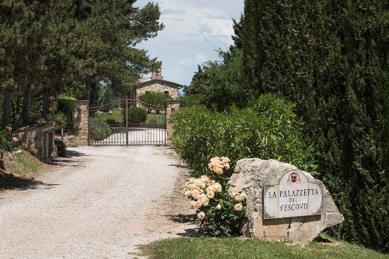 Fratta Todina, Italia: gate