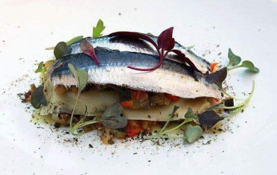 Vallromanes, Spanien: Lasanya sanfaina i sardinas