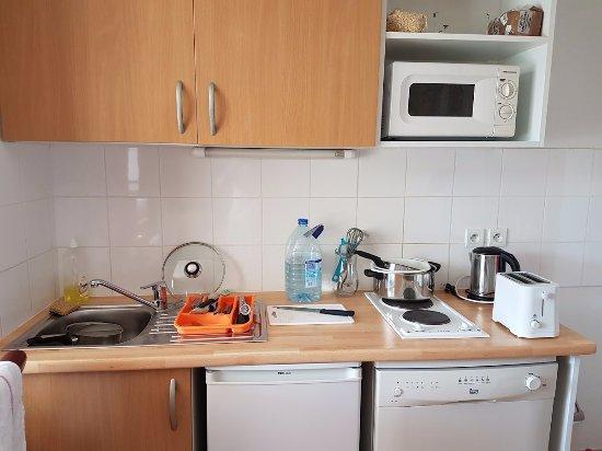 Cerise Carcassonne Sud: Kitchen