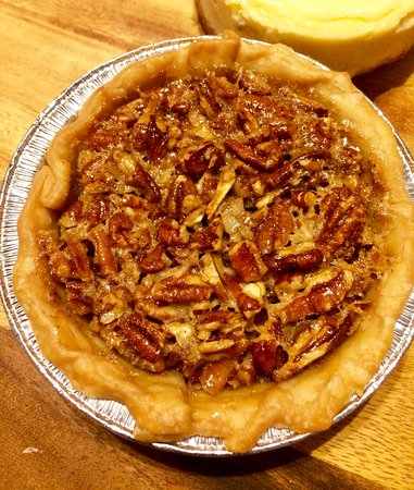 Duncan's Blue Lantern: My own pecan pie.