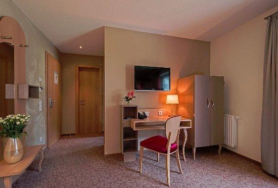 Hotel villa ludwig bewertungen fotos preisvergleich for Zimmer 94 prozent