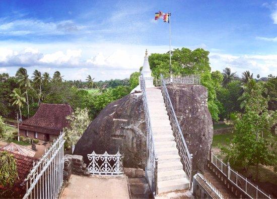 Isurumuniya Temple: photo0.jpg