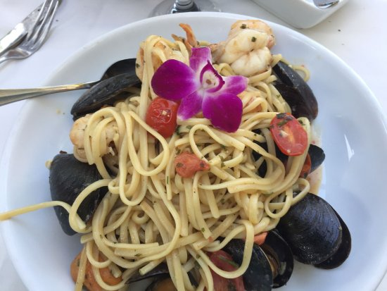 Lawrenceville, NJ: Seafood over fettucine with a garlic wine sauce