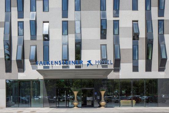 Falkensteiner Hotel Belgrade : Hotel Entrance