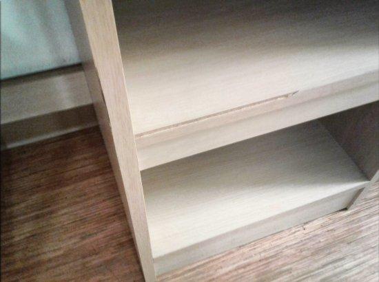Motel 6 Milwaukee West   Brookfield: More Falling Apart Furniture
