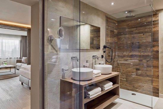 Badezimmer Bergzauber - Bild von Natur & Spa Hotel ...