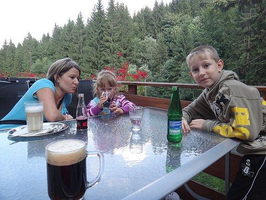 Horní Lomná, Česká republika: posezení u kávy a piva na terase