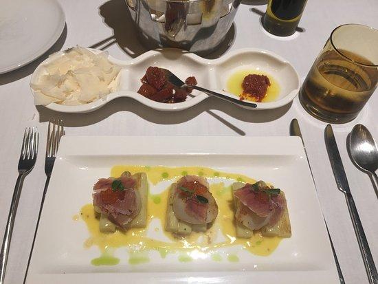 La Tavola & Wine Bar: photo2.jpg