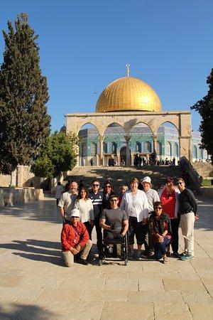 Gedera, Izrael: Group on the Temple Mount, Jerusalem