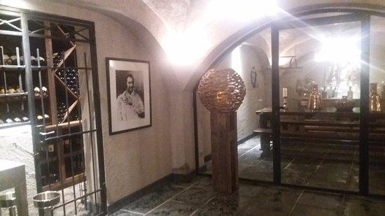 Les Saints Pères : Sous sol près des toilettes du restaurant