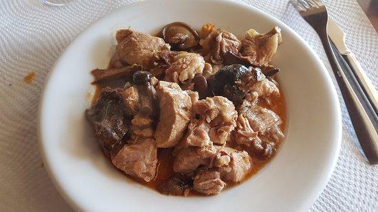 Vacarisses, İspanya: Carne con setas, estofado