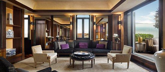 Park Hyatt Milan: Duomo Suite - Living Room