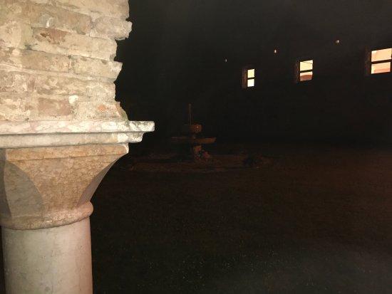 Abbazia di Santa Maria delle Carceri: Scatti dall'esterno. Un gioiello di posto magico di in passato storico religioso importante...
