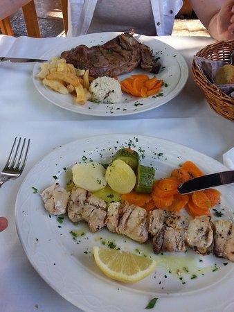 Romeo Restaurant: Stek z wieprzowiny, miecznik (?)