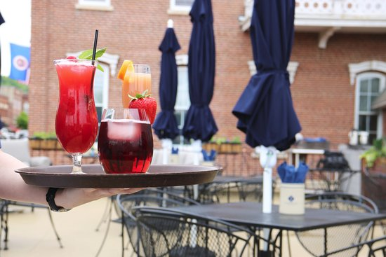 Red Wing, MN: Patio Drinks