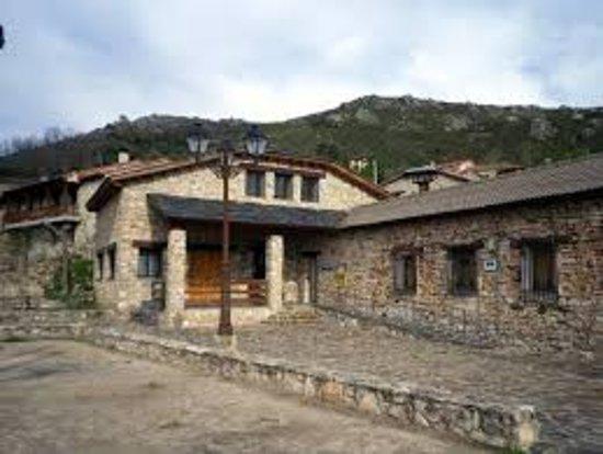 Cabeza de Almiruete: Museo Etnográfico de Botargas y Mascaritas de Almiruete