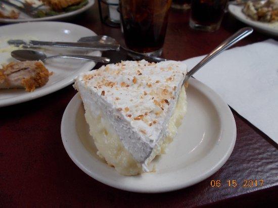 Yoder, KS: Coconut Cream
